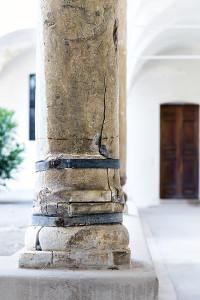 Colonna-Certosa-Capri